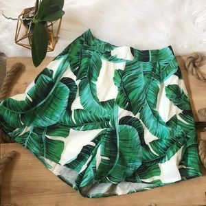 Pants - Palm leaf tropical high waist shorts 🌴🌴